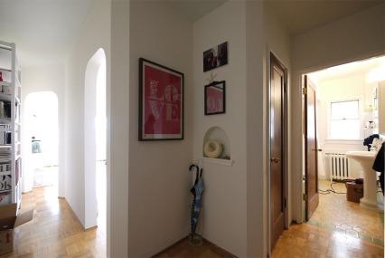 003 foyer