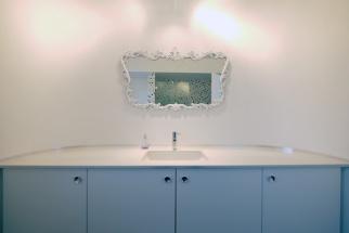 01_bathroom