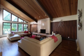 02_living_room_slanted